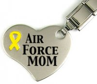Air Force Mom - Keyring with heart and yellow ribbon